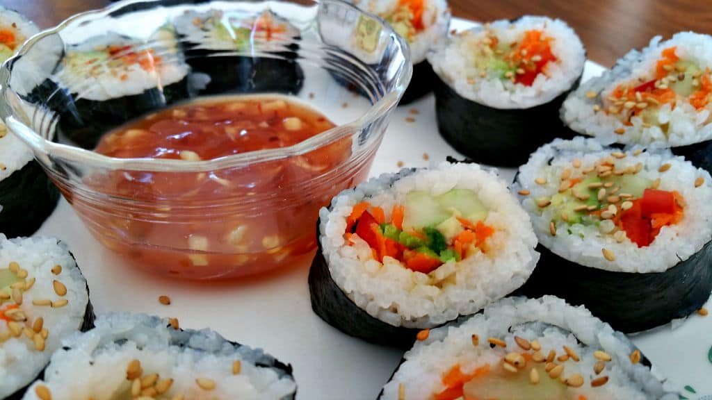 how to eat vegetarian sushi