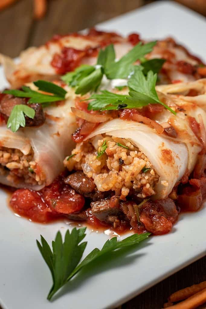 stuffed vegan cabbage rolls